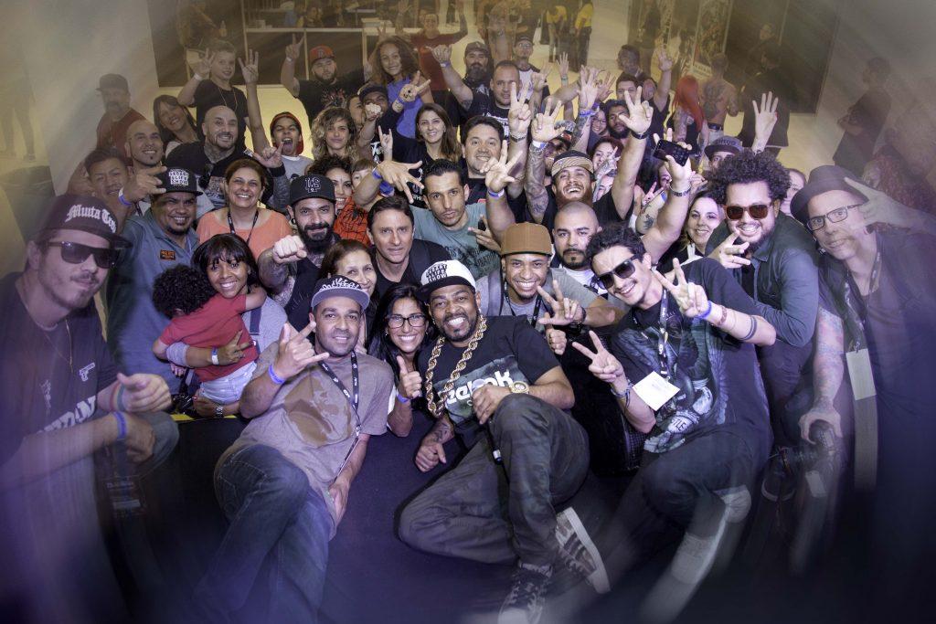 DJ Thaíde se apresentou no Tattoo Experience, realizado no Centro de Convenções do Shopping Frei Caneca, em São Paulo (SP). O evento abrigou mais de 180 stands, onde artistas apresentaram suas mais recentes criações e disputaram vaga no Mundial, no Torneio Panamericano.