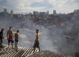 Moradores indignados com desastres
